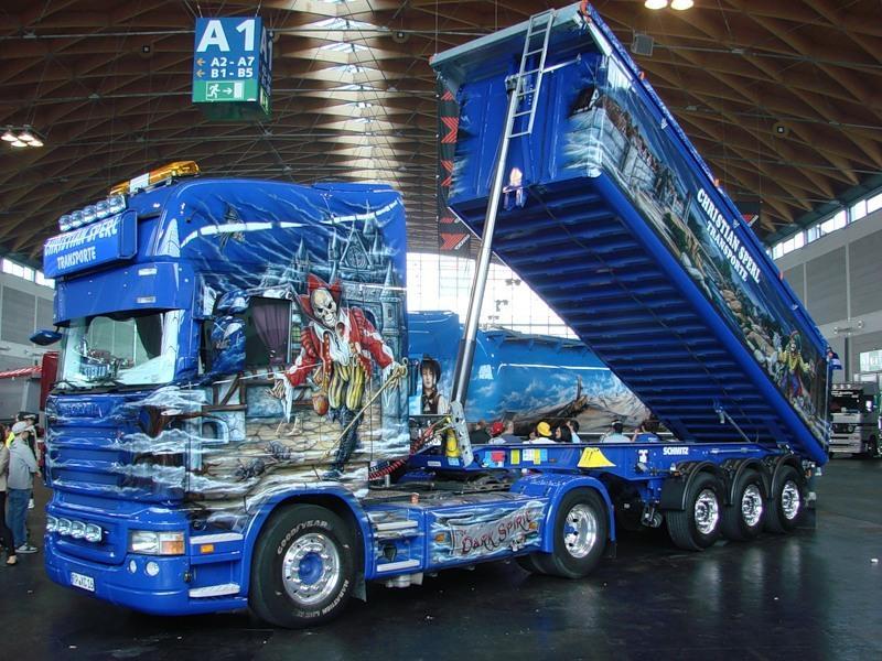 Рисунок зомби на грузовике
