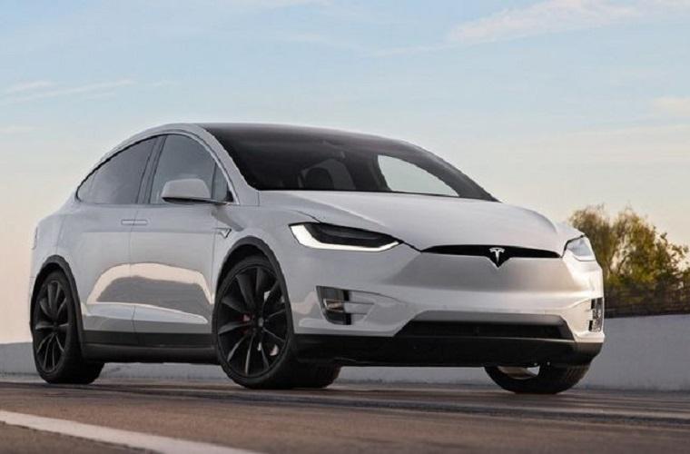 Тесла Model-X