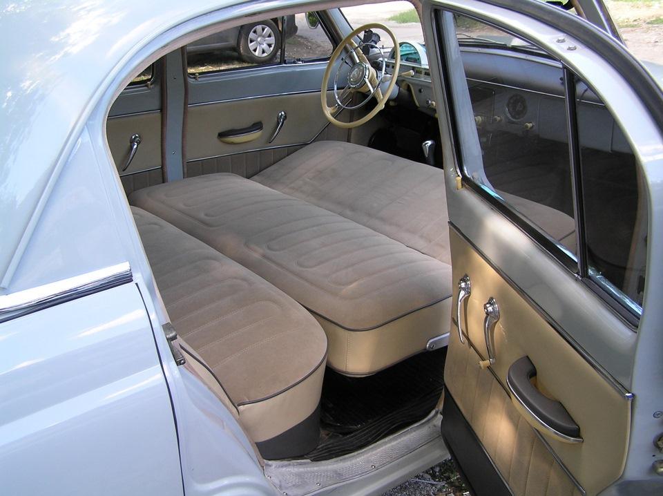 Разложенные кресла в в ГАЗ-21