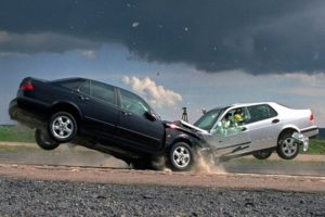 Машина подпрыгивают на ямах