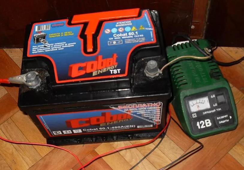 Что делать, если аккумулятор кипит при зарядке