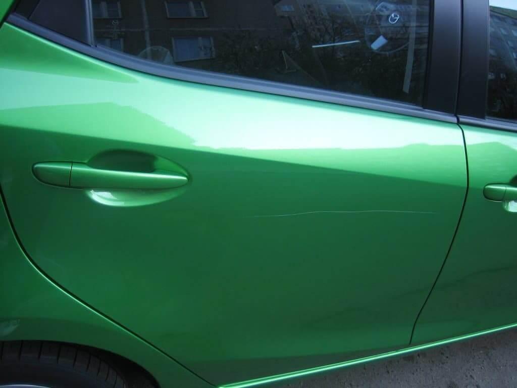 Как закрасить царапину на машине своими руками