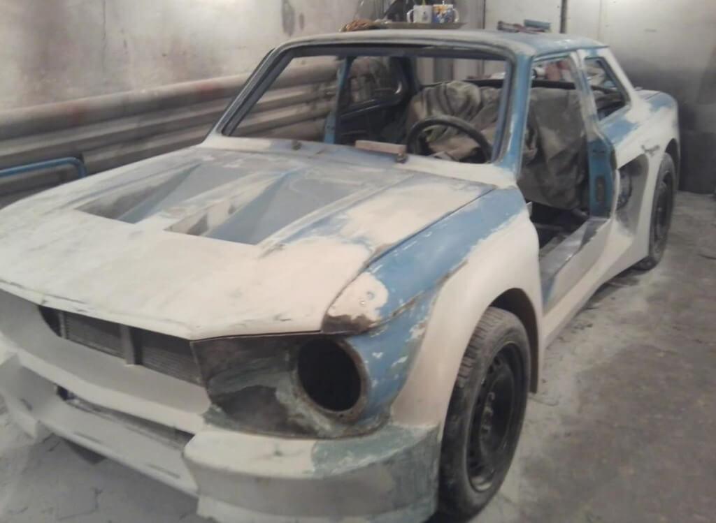 Шпаклевание дефектов на кузове перед покраской