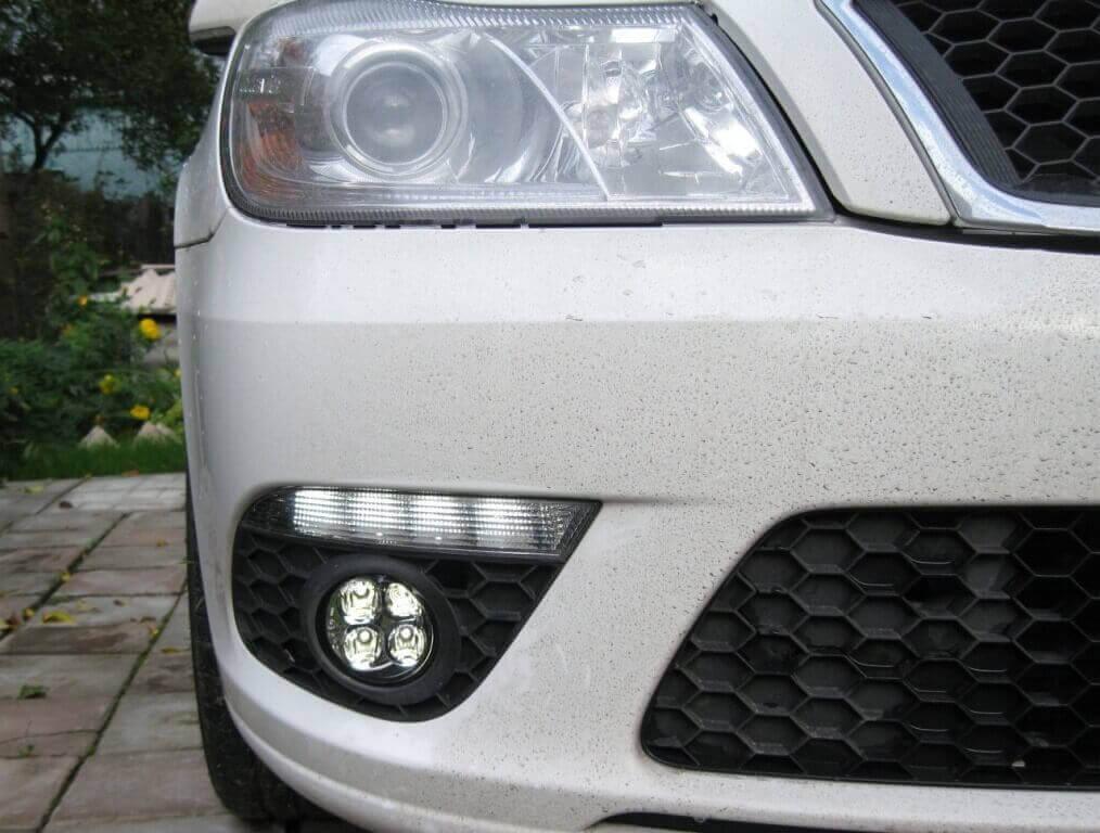LED лампы в ПТФ на автомобиле