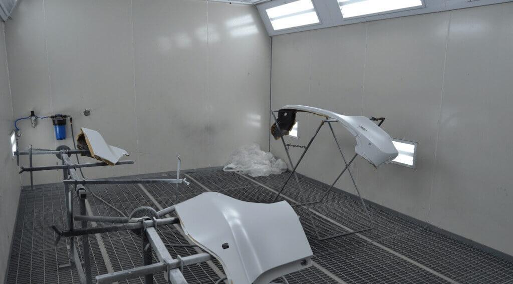 Рабочее место для покраски автомобиля