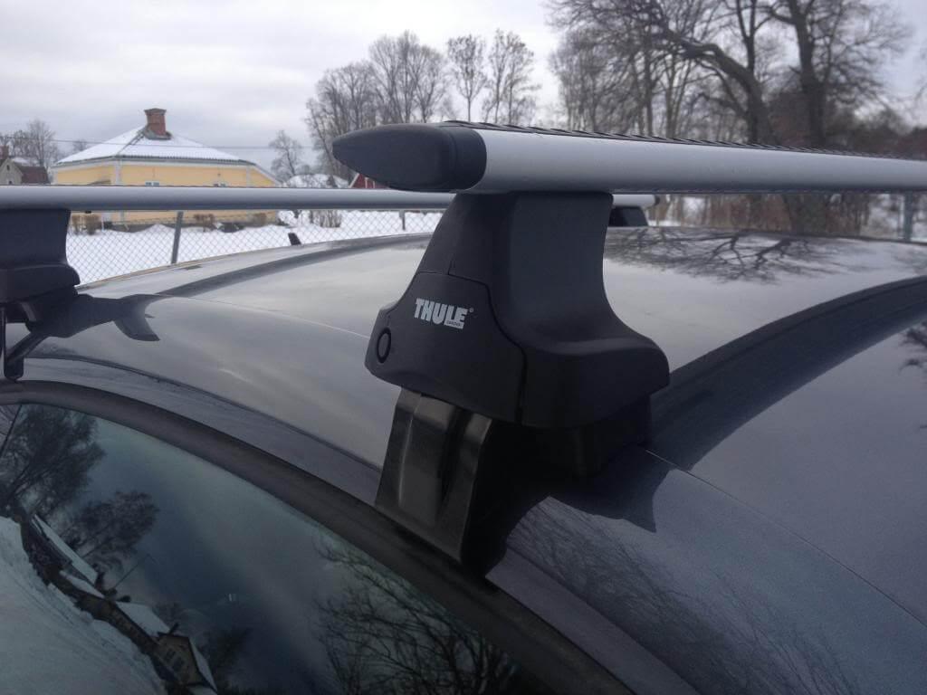 Как установить багажник на крышу Toyota Camry: преимущества и недостатки