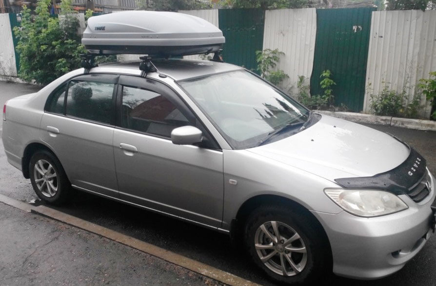Honda Civic с боксом на крыше