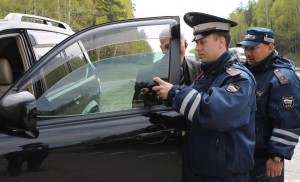 Проверка тонировки стекол авто
