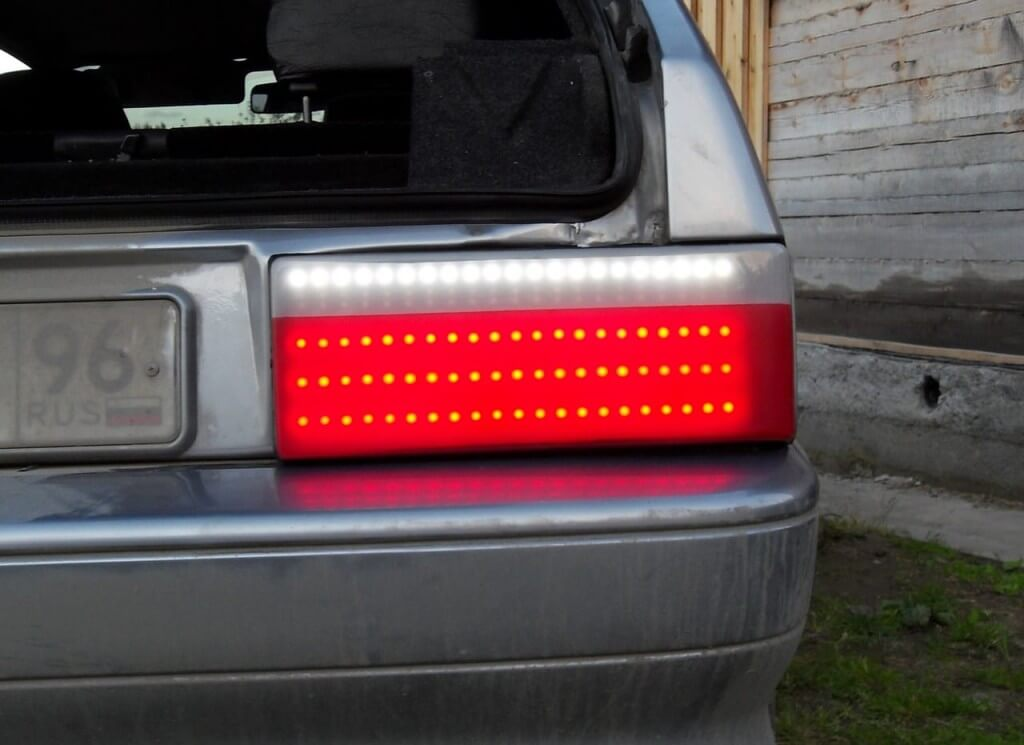 Светодиодные накладки на задних фарах ВАЗ 2114