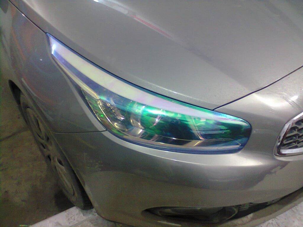 Пленка Хамелеон на фарах автомобиля