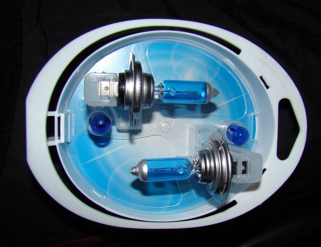 Форд фокус замена лампы ближнего света