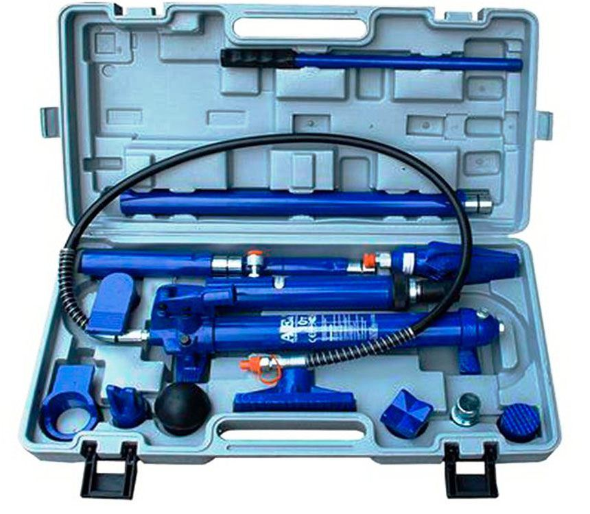 Фото инструмента для кузовного ремонта в кейсе