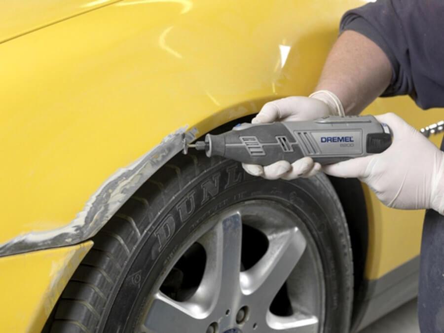 Механическое удаление корозии с кузова автомобиля