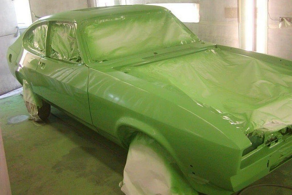 Покраска автомобиля в гараже