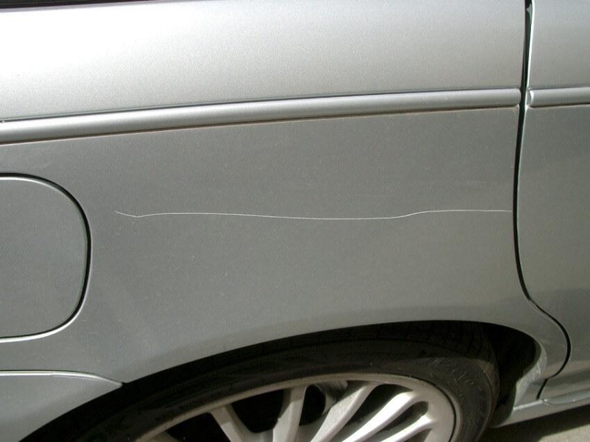 Как удалить царапину на авто