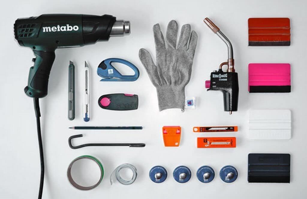 Инструменты для оклейки машины карбовой пленкой