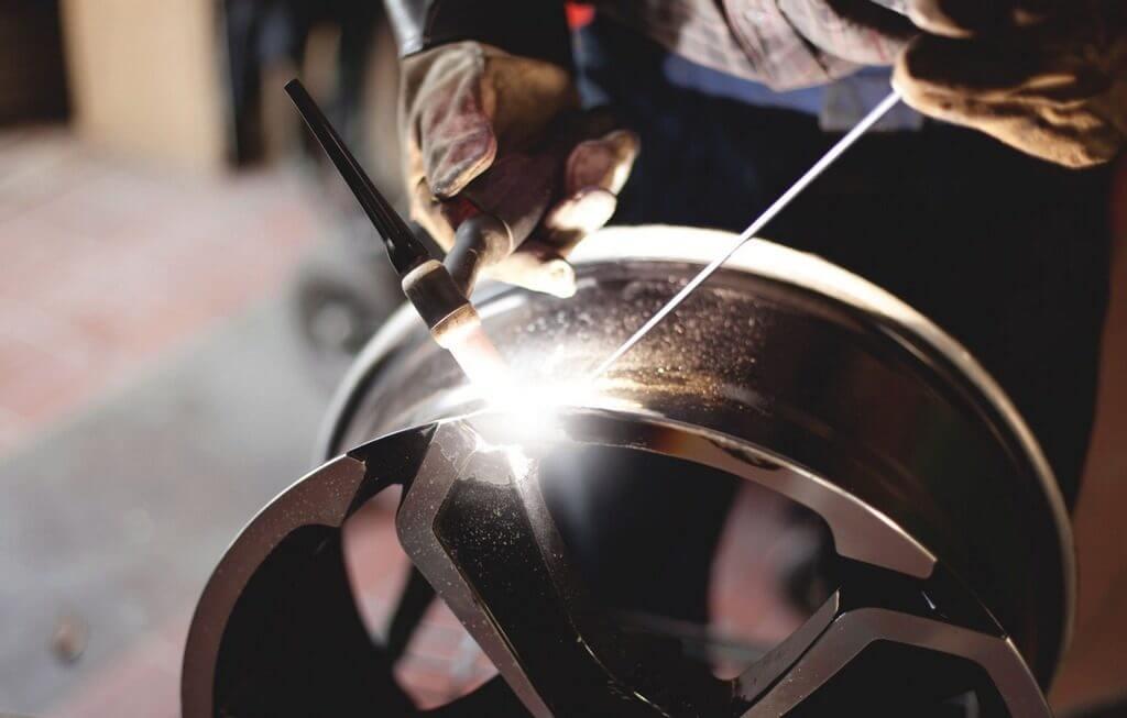Ремонт дисков с помощью сварки