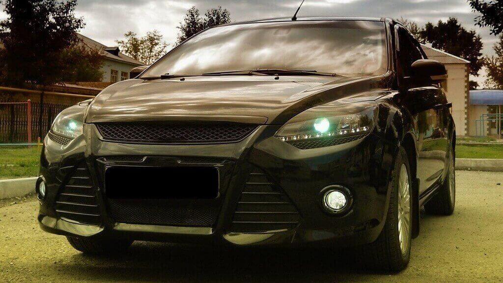 Установка «ресничек» на Форд Фокус