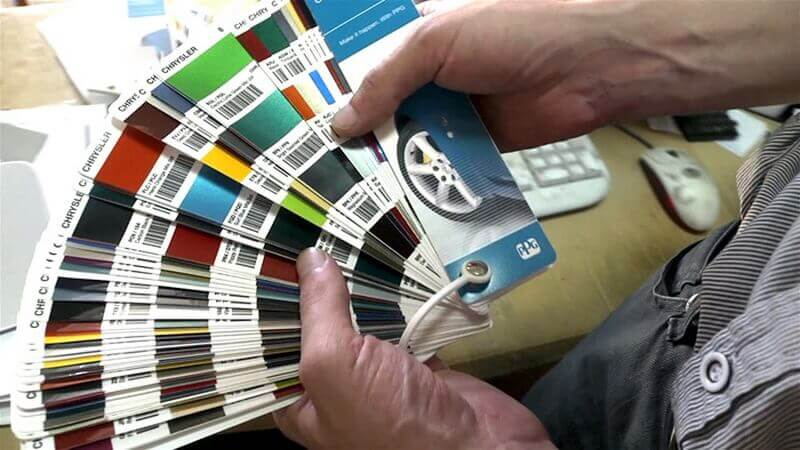 Как подобрать цвет краски для автомобиля