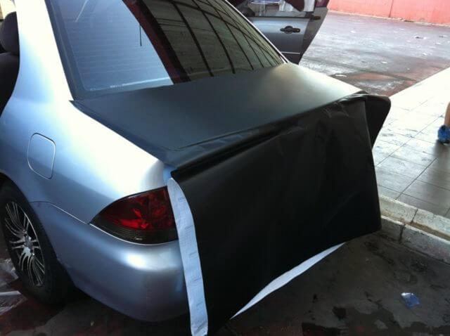 С помощь карбоновой пленки Вы сможете не только улучшить защитные свойства своего автомобиля