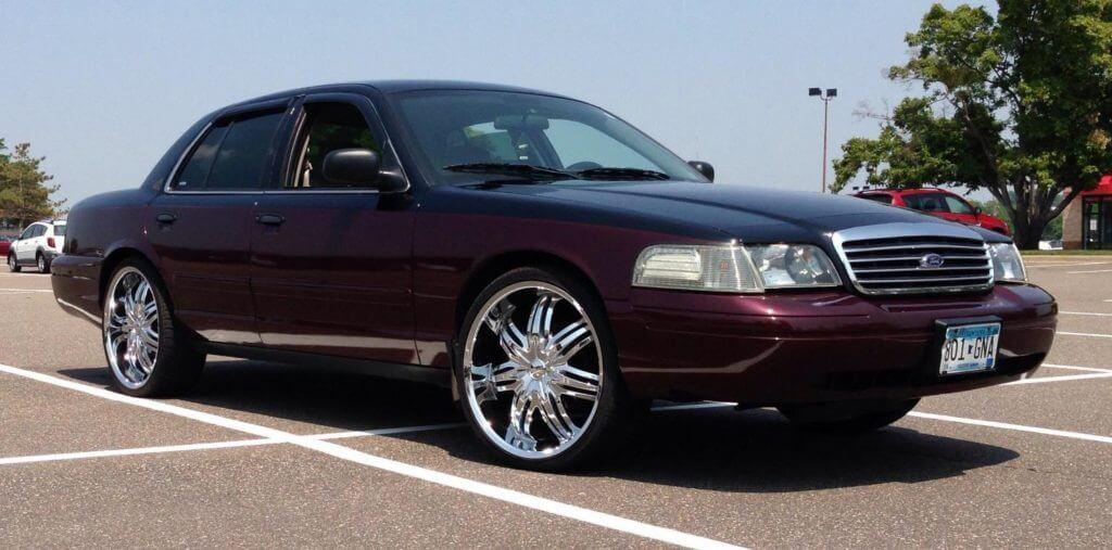 Ford Crown Victoria 2006 года выпуска
