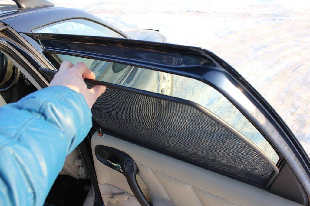 Шторки для автомобиля — это далеко не предмет роскоши или элемента дизайна салона, как могут подумать многие автолюбители, а эффективное средство от летнего зноя
