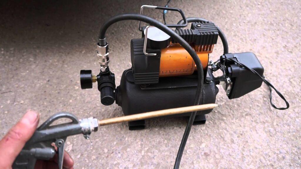 Очень часто случаются ситуации, когда наличие автомобильного компрессора для подкачки шин становится жизненно важным