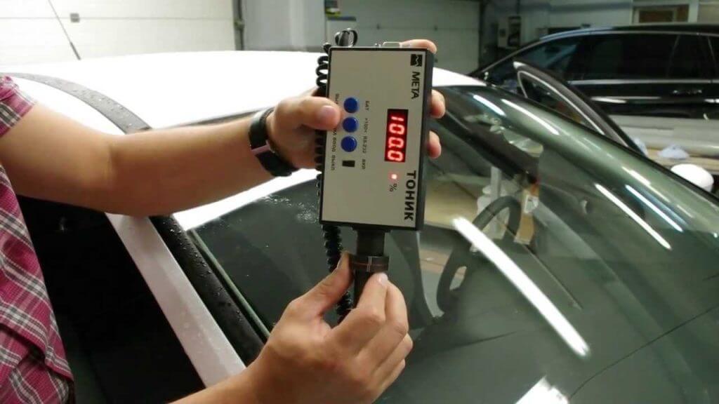 Разрешенная норма ГОСТа при нанесении тонировки на лобовое стекло с пропускной способностью не меньше 75% света
