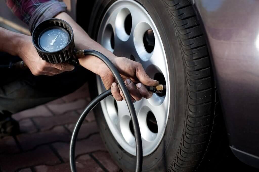 Обязательно проверяйте давление в шинах