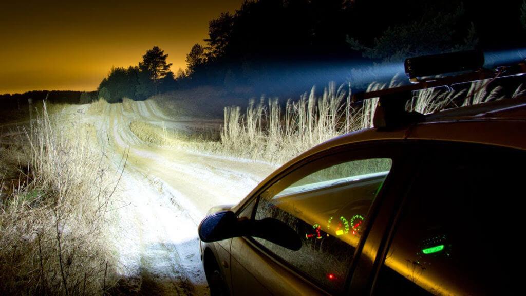 Использовать «светодиодки» в качестве дополнительных элементов намного выгоднее, чем ставить световые элементы другого типа