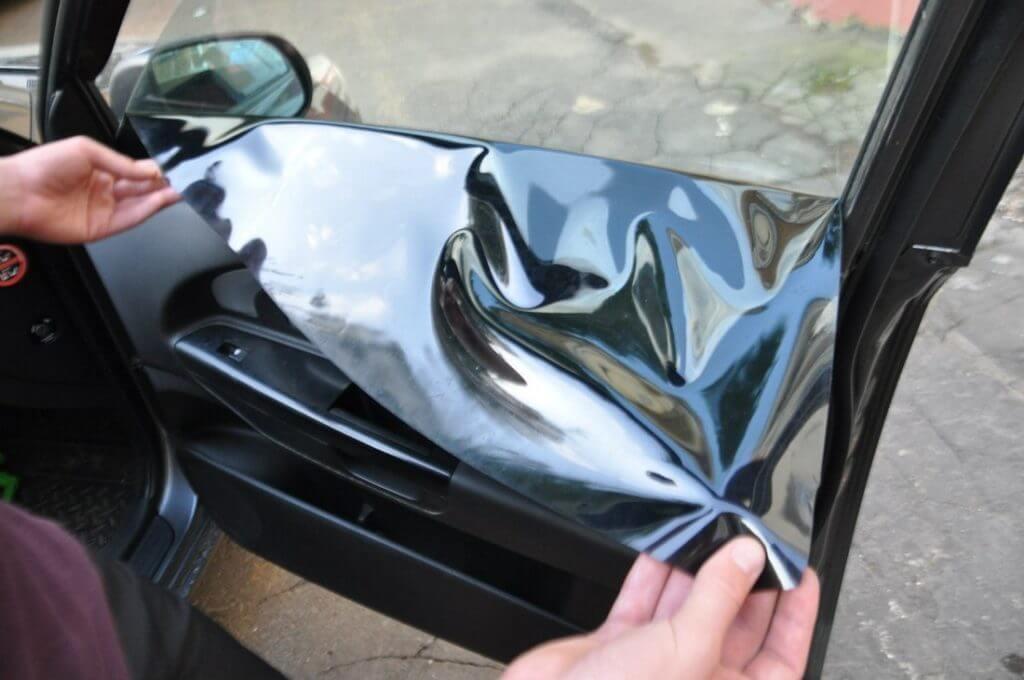 Соответствующая норма для ветрового стекла установлена на уровне 75%