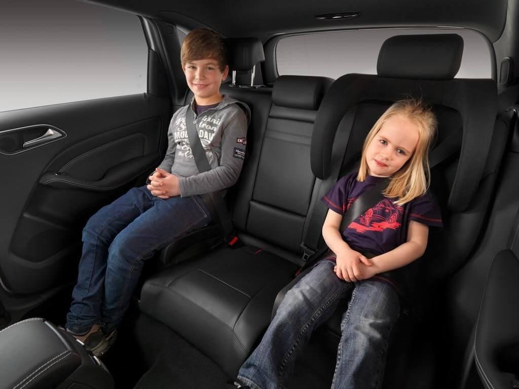 Запрещается оставлять детей до 7 лет одних в машине