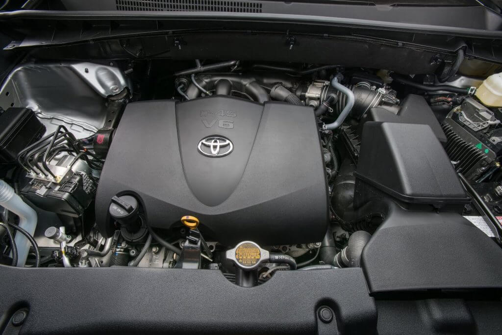 Under the hood 2017 Toyota Highlander