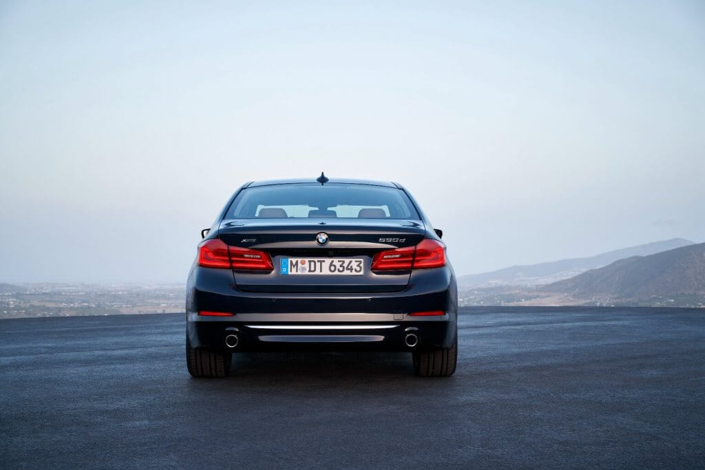BMW 5-series 2017-2018 года: характеристики, комплектация, цена, отзывы