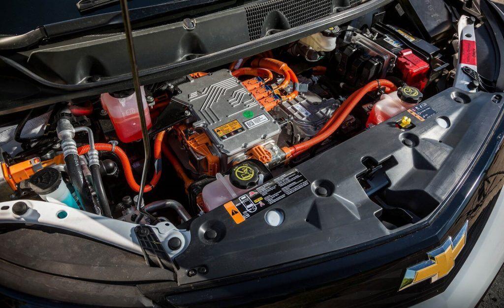 В качестве пары для бензинового агрегата предлагается вариаторная коробка