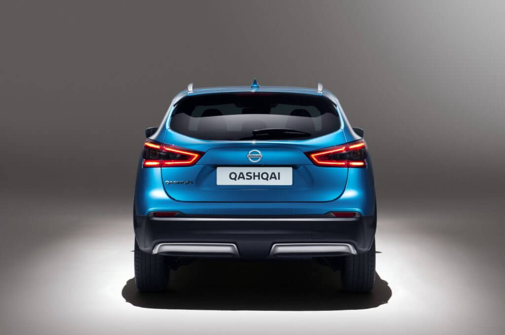 Вид сзади на автомобиль Nissan Qashqai Worldwide '2017