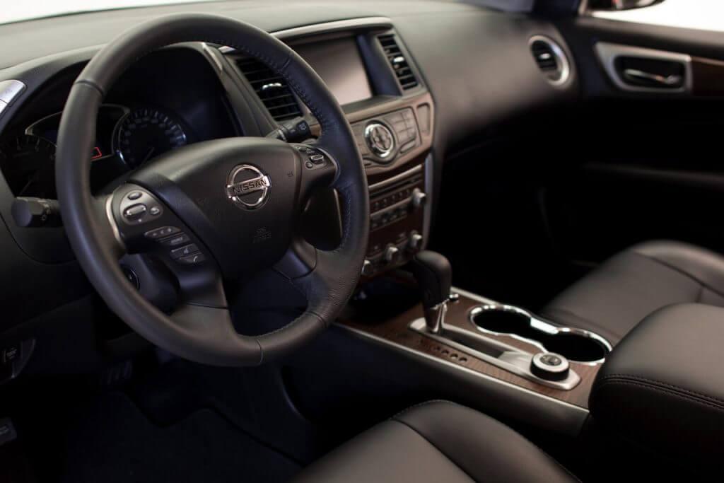 Interior Nissan Pathfinder Latam (R52) '2017
