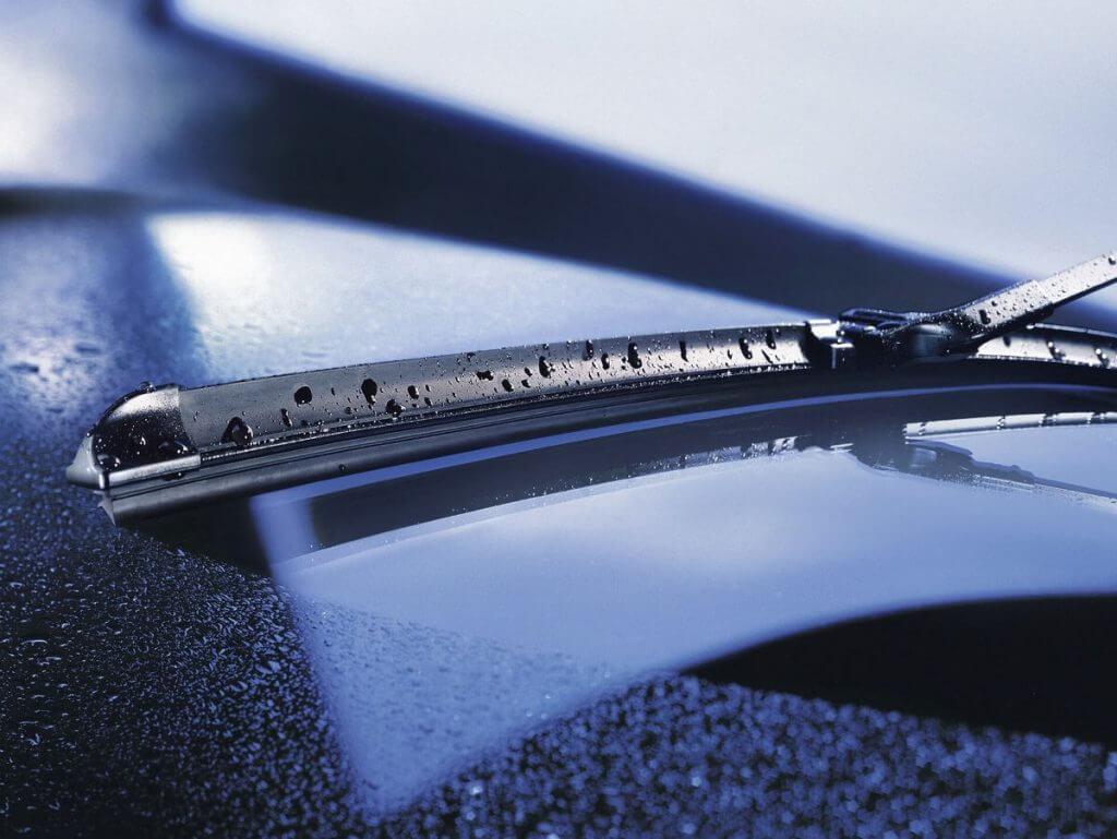 Лобовое стекло машины